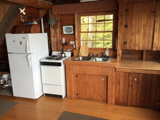 Hodgkins Haven, Oceanfront Cottage - Kitchen