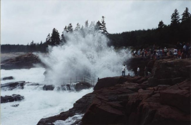 Thunder Hole, Acadia National Park, sightseeing, tourists, nature