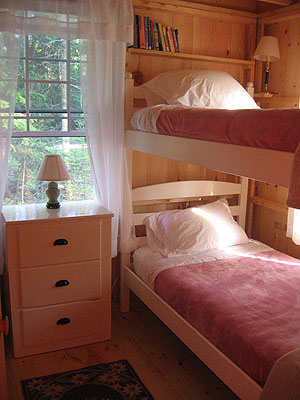 Bunk room, Blackberry Cottage