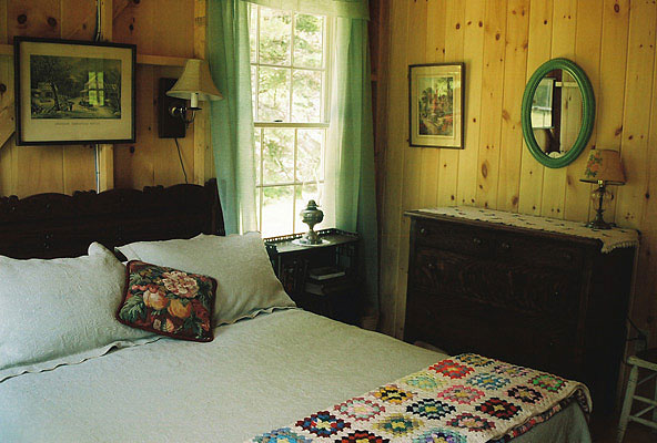 Double bedroom, Blueberry Cottage