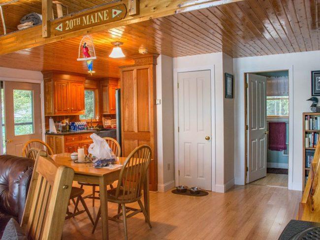 Log Cabin on Davis Pond - inside