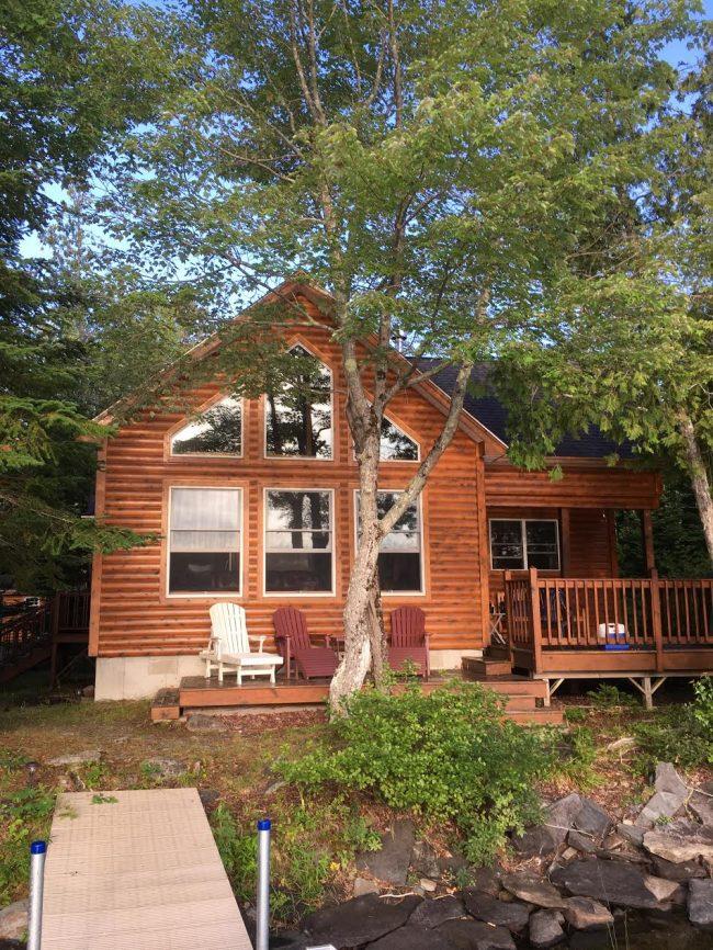 Log Cabin on Davis Pond - exterior