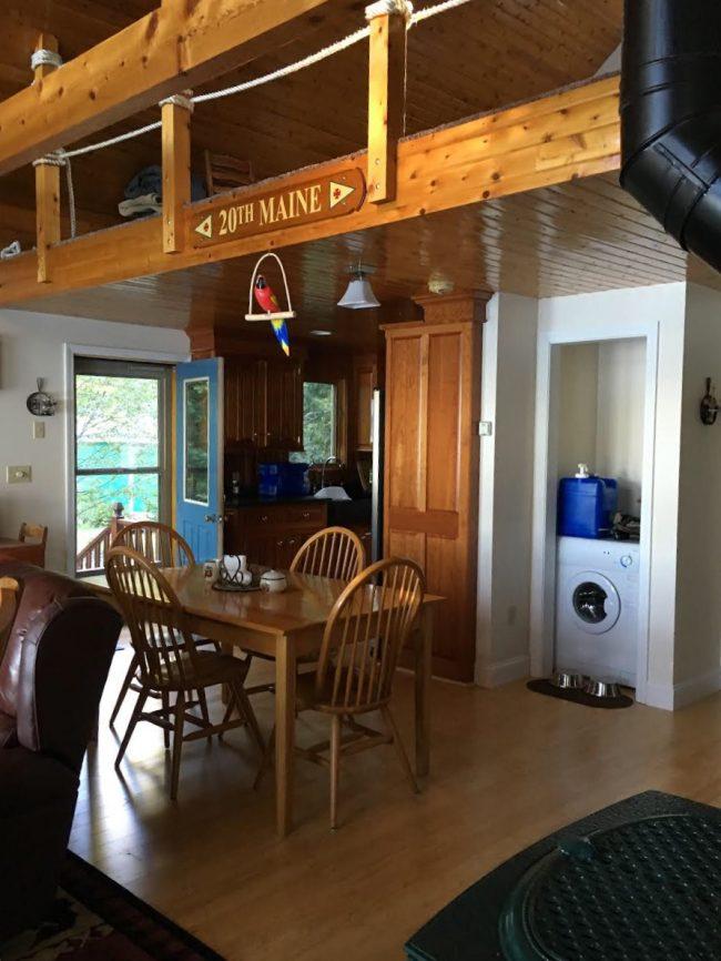 Log Cabin on Davis Pond - loft