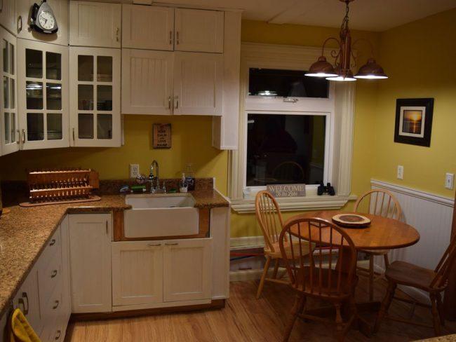 Lakefront Getaway - Kitchen