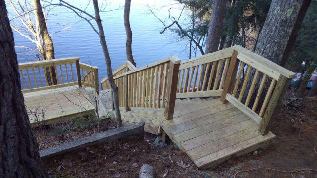 Lakefront Getaway - stairs to lake
